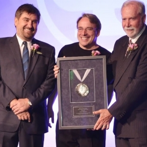 Pioneer Award to Linus Torvalds